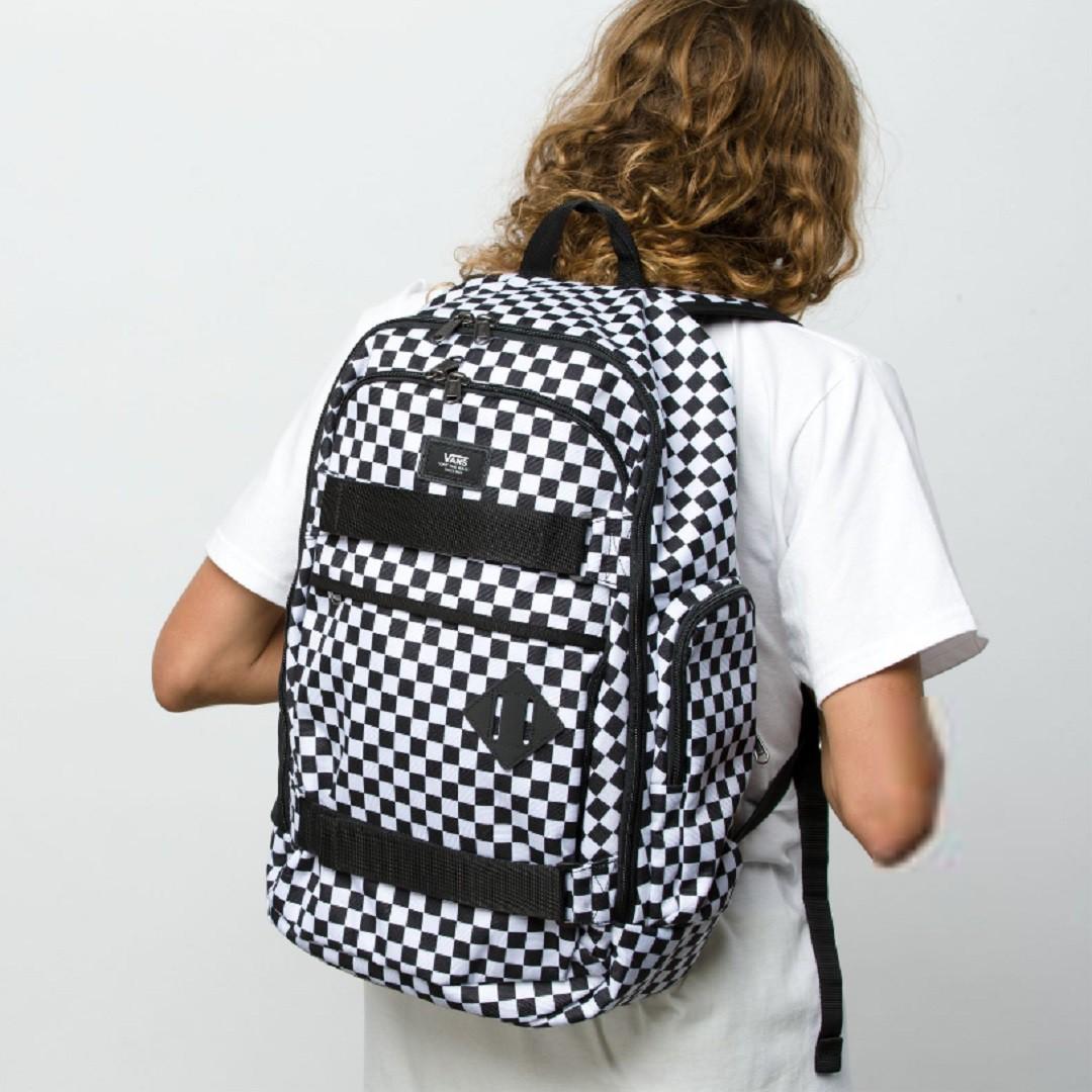 67418d56ca Vans Transient III Skatepack black white check batoh